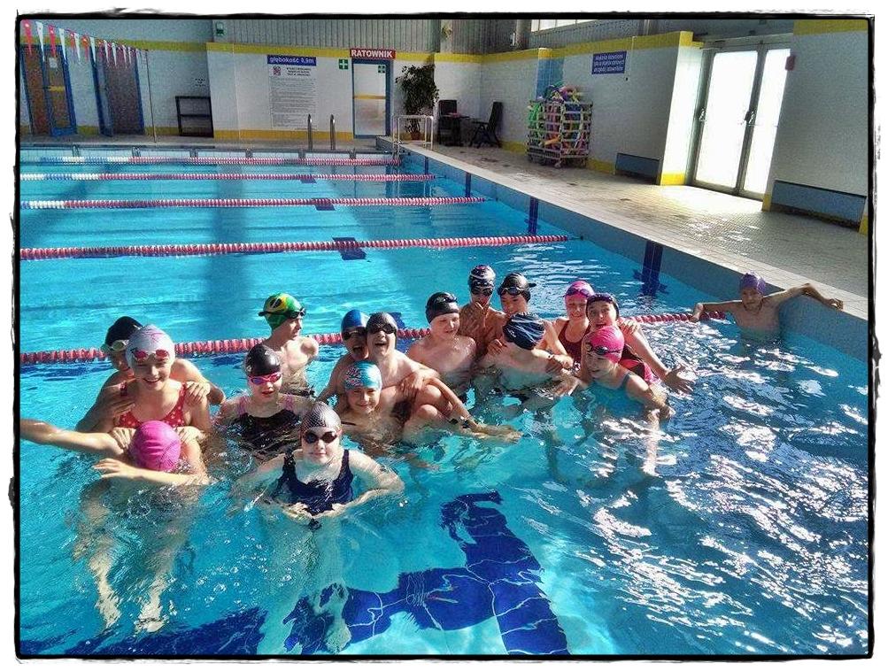 Zawody pływackie klas szóstych